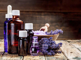 Essential-Oils-Aromatherapy-Holistic-Medicine-Lavender-Young-Living-doTERRA-Risks-Benefits-Safe