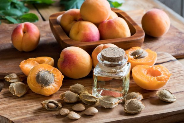 Apricot-Kernel-Oil-What-Are-the-Benefits-Hair-Care-Aromatherapy-Eczema-Skin-Cooking