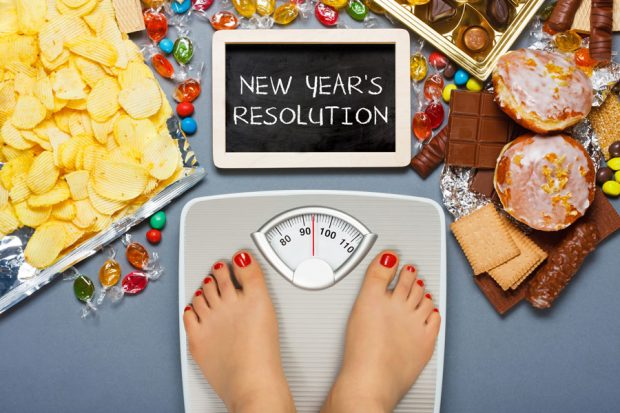 Healthier-New-Years-Resolution-Fitness-Gym-Choose-Healthy-Wellness-Food